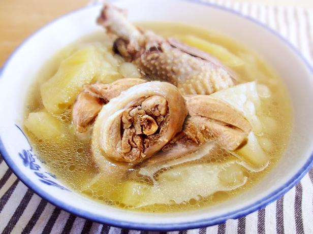 苦瓜鳳梨燉雞湯