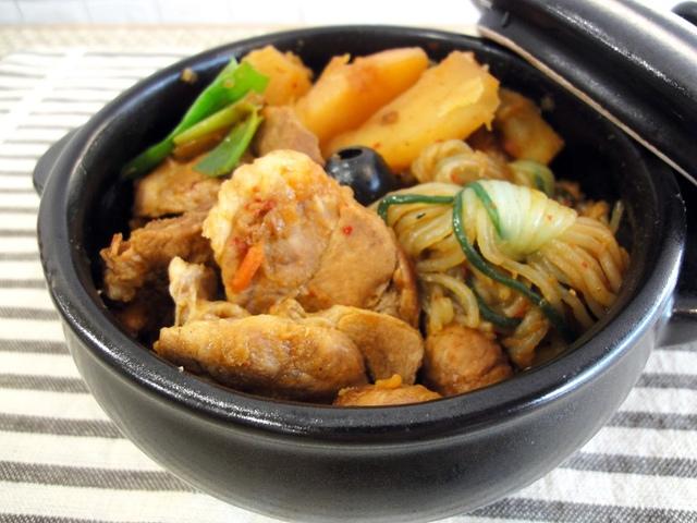 韓式馬鈴薯燉肉配蒟蒻
